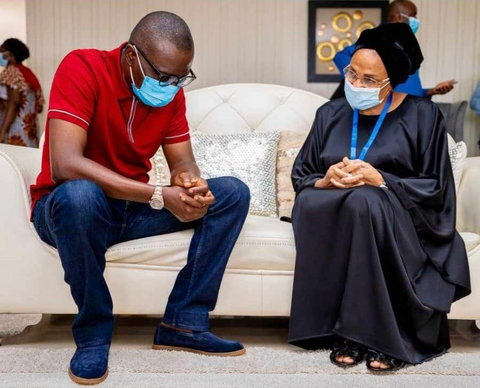 Gov. Babajide Sanwo-Olu of Lagos (Left) pays condolence visit to Florence Ajimobi (OyoGist)