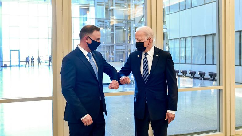 Prezydent RP Andrzej Duda (L) oraz prezydent Stanów Zjednoczonych Joe Biden (P)