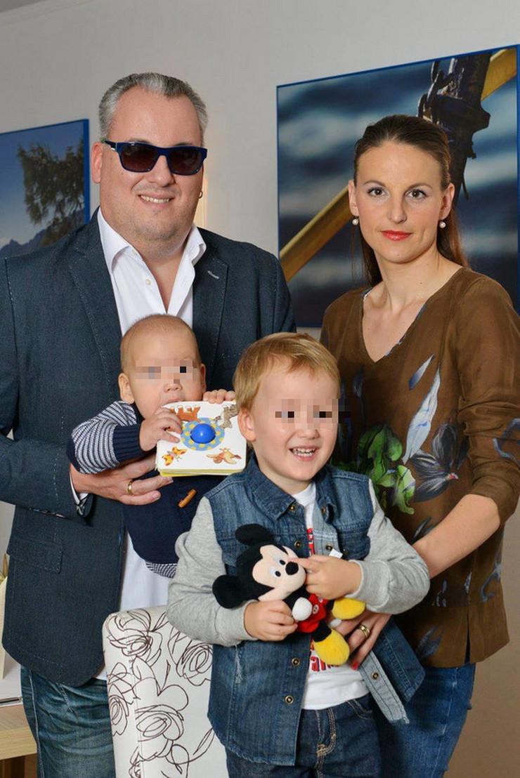 Dejan Matić sa porodicom