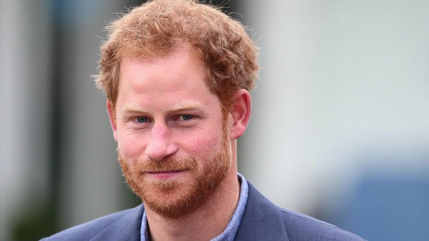Książę Harry nie jest synem księcia Karola. Książę Harry ...