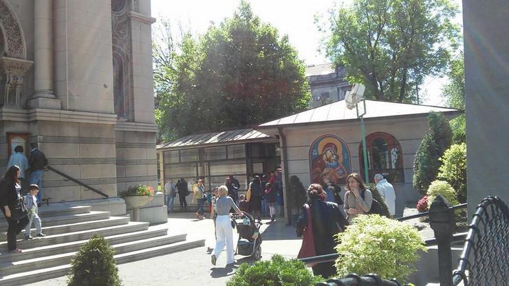 Dvoriste crkve Svetog Aleksandra Nevskog