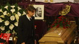 Ebi Smolarek nad trumną ojca! Zdjęcia!