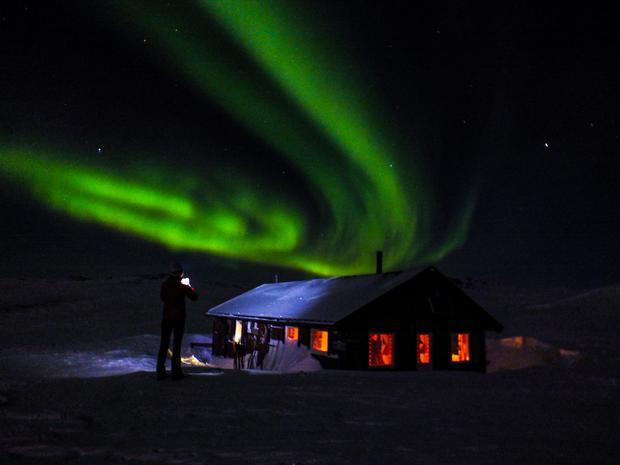 Gosia Dvorakov noc w chatce DNT w  maju Salfjellet