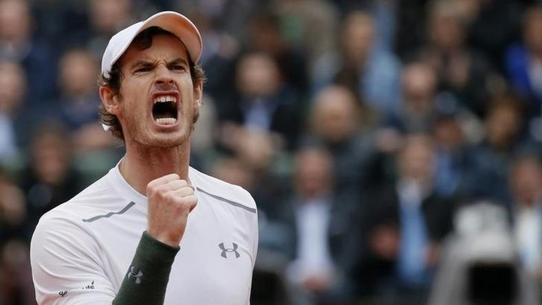 Andy Murray reacts.