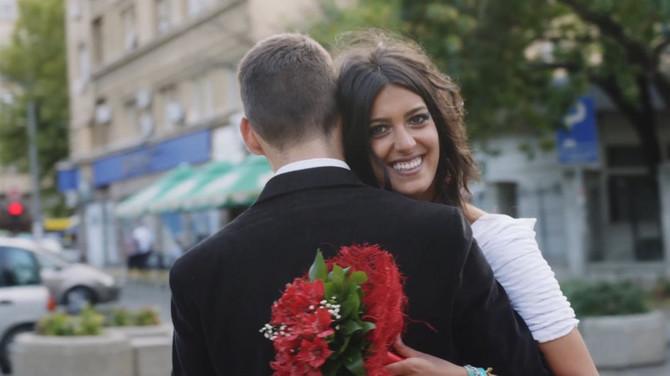 Irena Krstić u spotu grupe