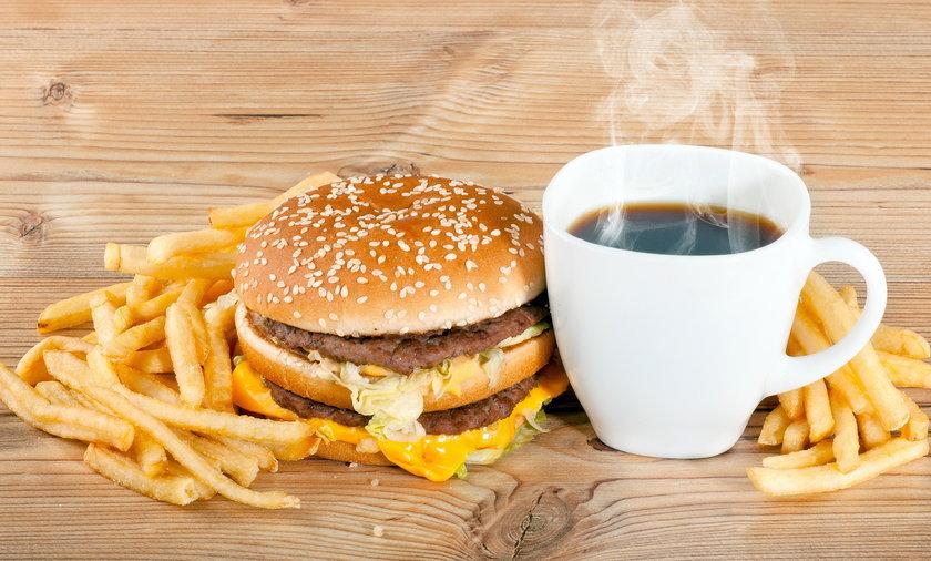 hamburger frytki kawa