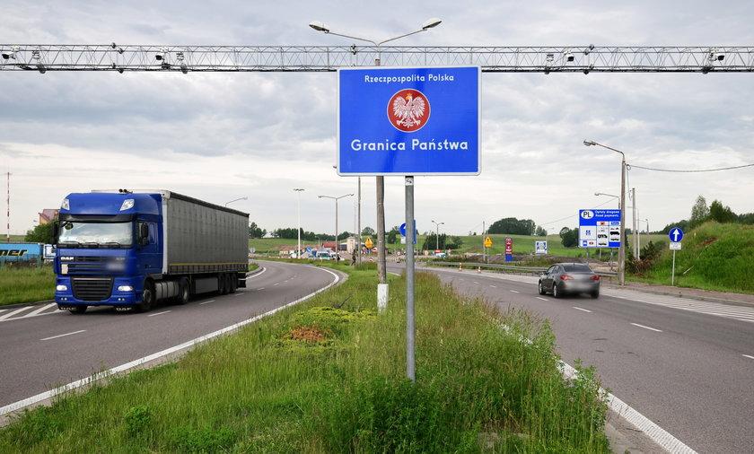 Litwini zaostrzają przepisy z obawy przed wariantem delta.