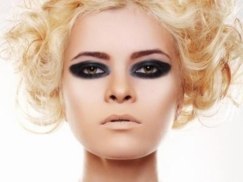 Randki w ciemnym modelu glamour