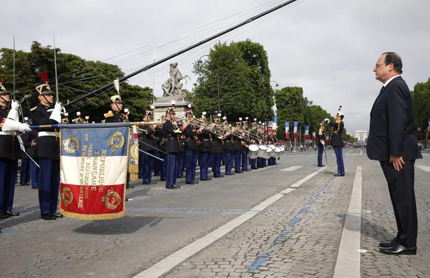 Francja uczciła zburzenie Bastylii defiladą wojskową w Paryżu EPA/ETIENNE LAURENT/PAP