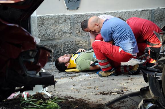 Porodica Maksimović zadobila je ozbiljne povrde i odmah prevezena na Urgentni centar