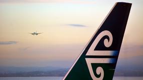 Kobieta podczas lotu zauważyła, że skrzydło samolotu poklejone jest taśmą klejącą