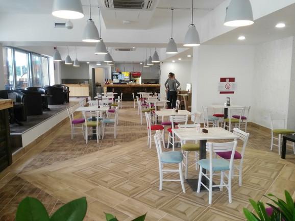 Novi kafić