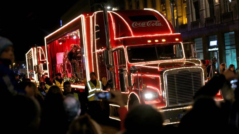 Przejazd świątecznej ciężarówki Coca-Coli