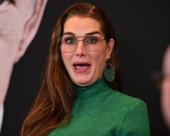 Bruk ne može da se pohvali besprekornim stilom, ali su njene naočare bašp zanimljive