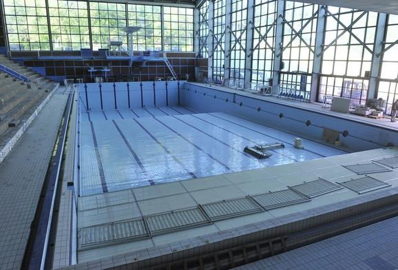 Zatvoreni bazen na Tašu