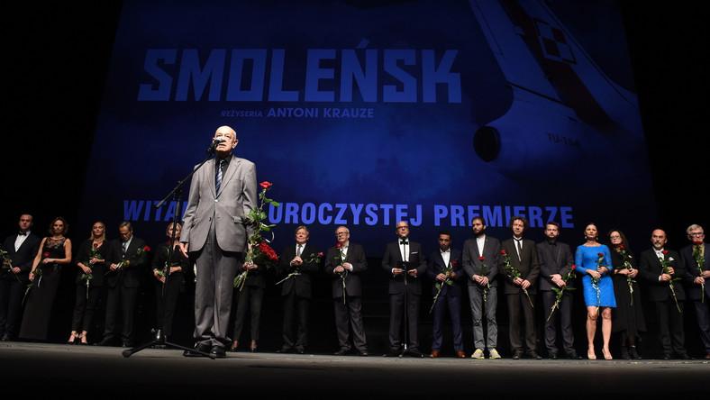 """Reżyser Antoni Krauze podczas premiery filmu """"Smoleńsk"""""""