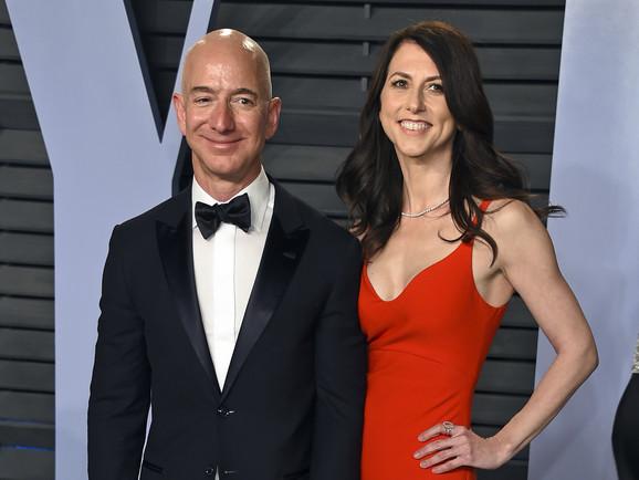 Džef Bezos sa suprugom Mekenzi