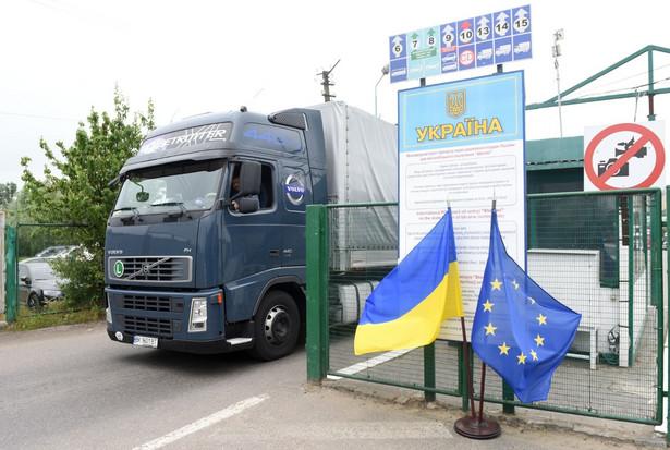 Czynne przejścia graniczne z Ukrainą znajdują się w Dorohusku, Korczowej, Hrebennem, w Medyce oraz w Budomierzu.