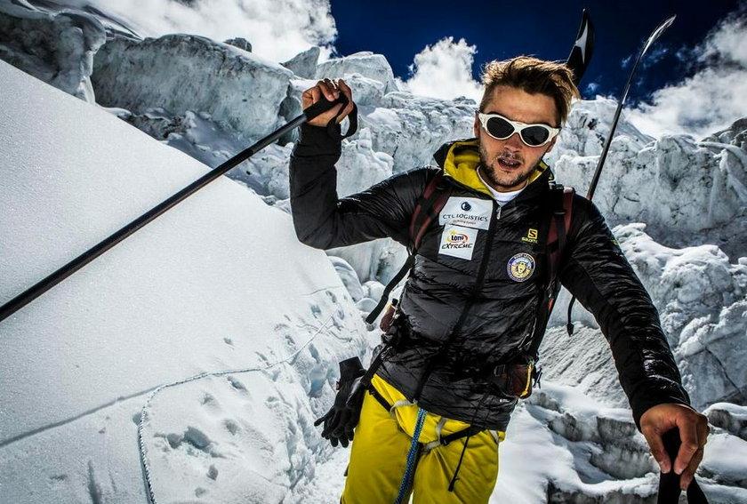 Polak chce zjechać z Everestu na nartach!