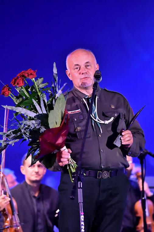 Harcmistrz Wiesław Turzański po odebraniu nagrody Organizacji Pozarządowej Roku w ramach Forum Ekonomicznego 2020 w Karpaczu