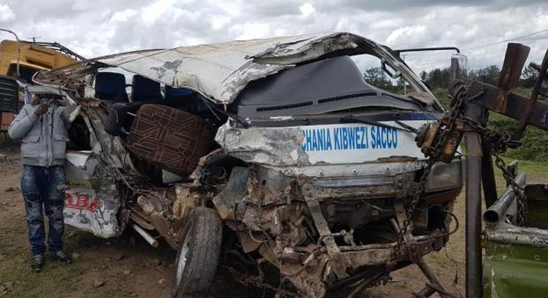 8 feared dead in grisly accident involving multiple vehicles