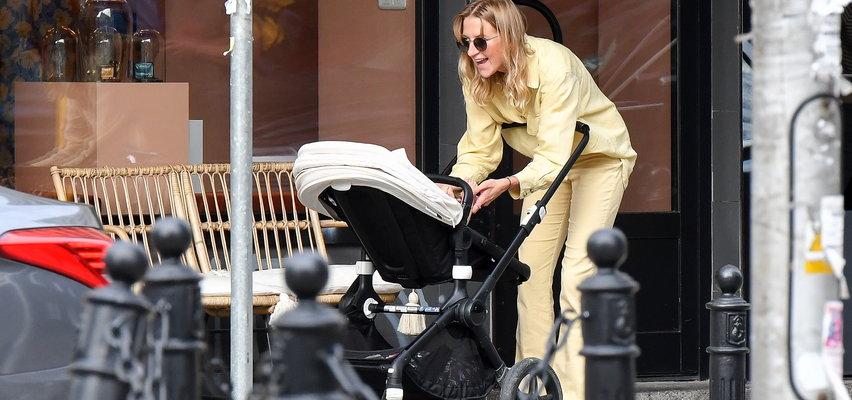 Lara Gessler pokazuje córce świat luksusu. Nena była z mamą u jubilera