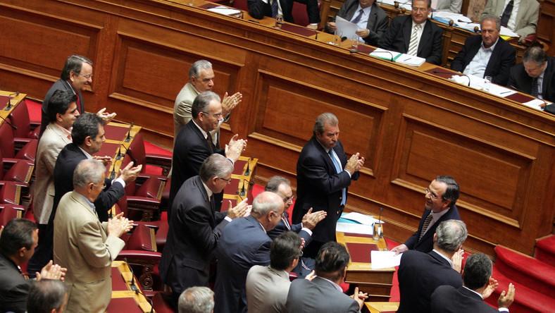 Grecki parlament przyjął drugą ustawę oszczędnościową