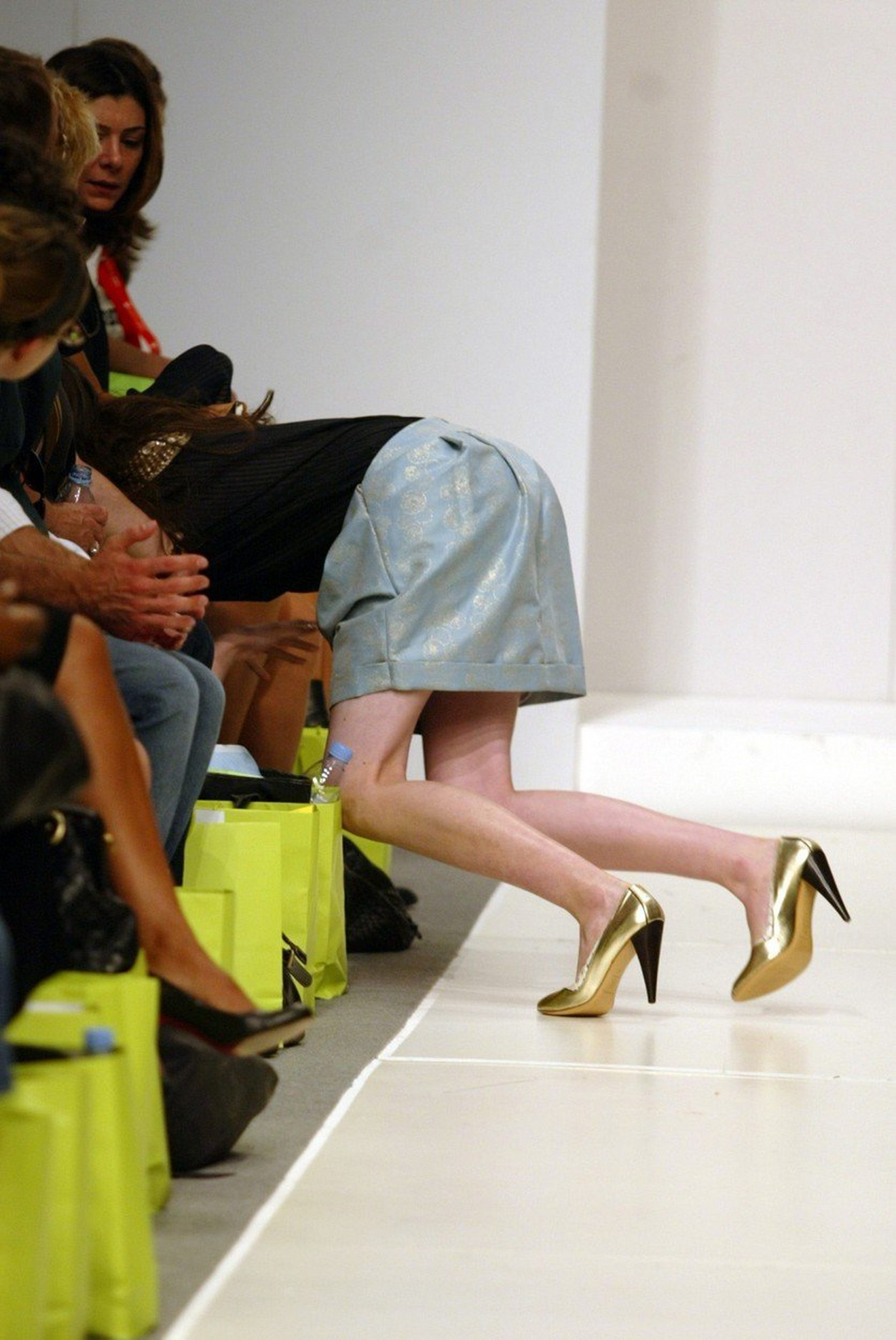 Korak u zlatnim cipelama i pad