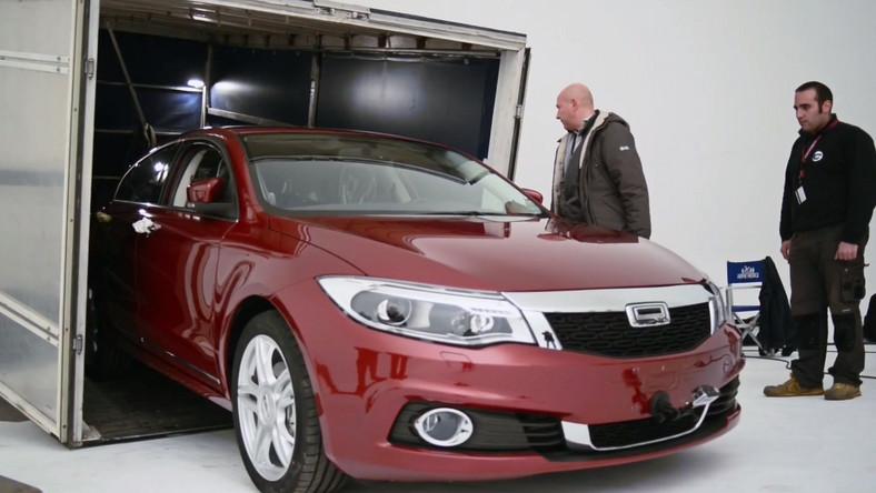Qoros to młoda marka samochodów założona w 2007 roku i należącą do chińskiego koncernu Cherry Automobile. Swoje udziały w tym przedsiębiorstwie ma też izraelski holding Israel Corporation. Z najnowszych wieści wynika, że pieniądze zainwestowane m.in. przez biznesmenów z państwa żydowskiego owocują nowymi samochodami. Po sedanie zaprezentowanym w marcu 2013 roku (wymiarami ma być konkurencyjny dla skody octavii) przyszła pora na kolejny model…