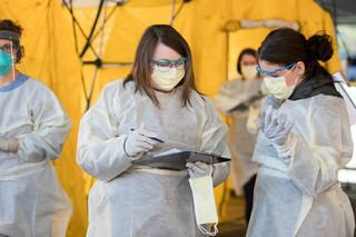 Koronawirus w USA: Ameryka, czyli Chiny razy dwa