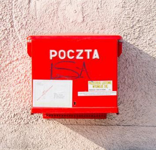 Pracownicy poczty dostaną dodatkowe wynagrodzenie za pracę podczas epidemii koronawirusa