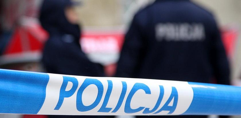 Śmierć w bloku na Widzewie w Łodzi. Sąsiedzi poczuli, że muszą wezwać pomoc