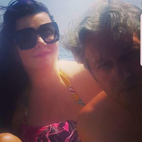 Ovakve ih nikad niste videli: Evo kako Milomir Marić i Vesna Radusinović uživaju na moru!