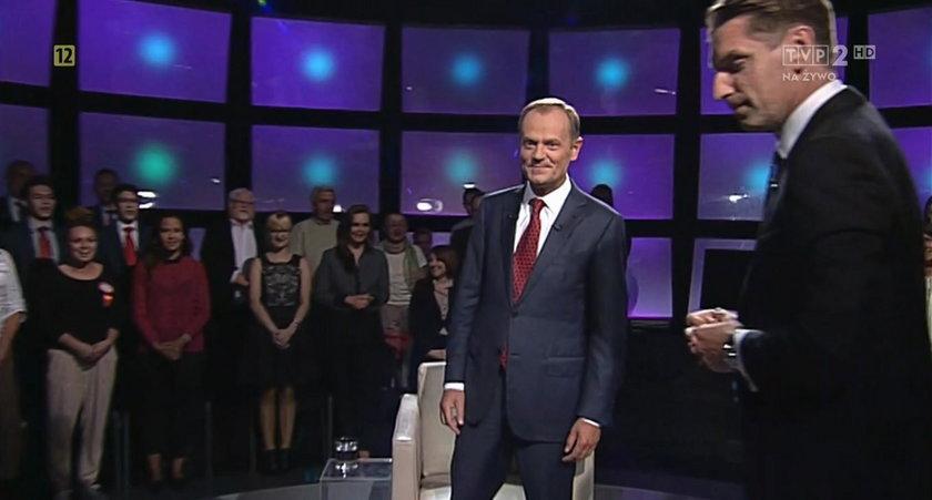 """To młodzieżówka PO odśpiewała Tuskowi """"Sto lat"""""""