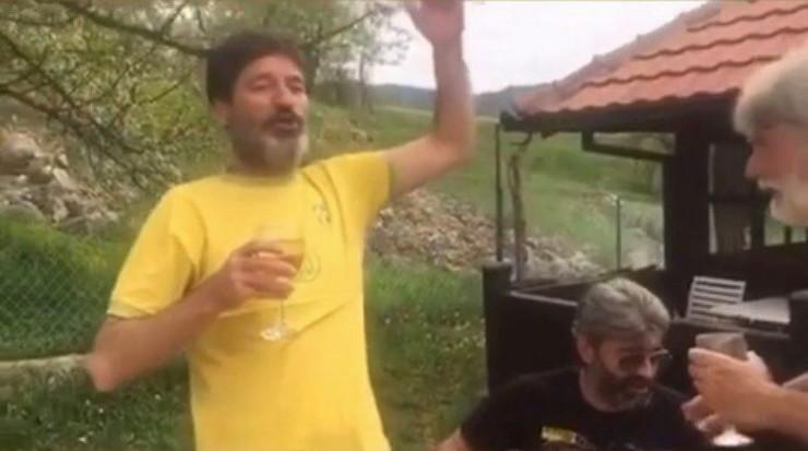 Dragan Gagi Jovanović i Dule Savić pevaju