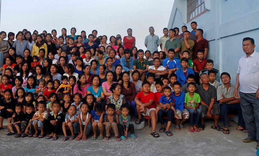 Ziona Chana i jego rodzina.