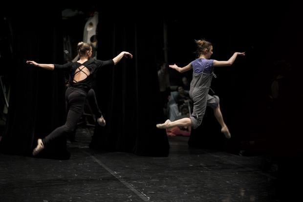 Bycie tancerzem determinuje życie i dietę, ale to nie prawda, że baletomistrzowie żyją na liściu sałaty dziennie
