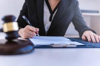 Każdy prokurent może sam współdziałać z członkiem zarządu