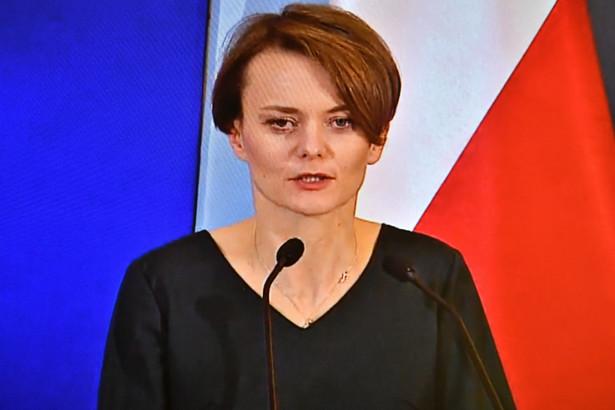 Dziś naprawdę nie warto zwalniać pracowników - powiedziała minister rozwoju Jadwiga Emilewicz