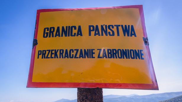 Polskie granice muszą być szczelne i dobrze chronione - napisał Donald Tusk