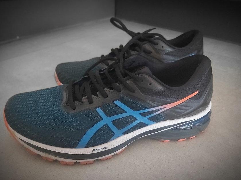 Test butów ASICS 2000-9