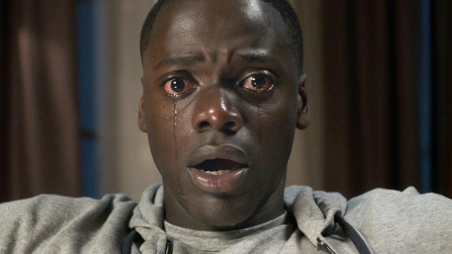 """Daniel Kaluuya jako Chris Washington w filmie """"Uciekaj!"""""""