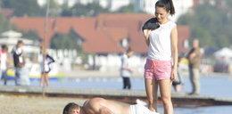 Mąż Pauliny Sykut chce być dla niej boski. Zobacz go bez koszulki