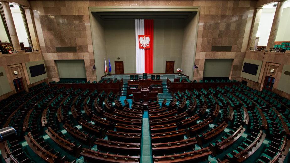 Projekt ustawy o domach do 70 mkw. bez formalności wraca do komisji
