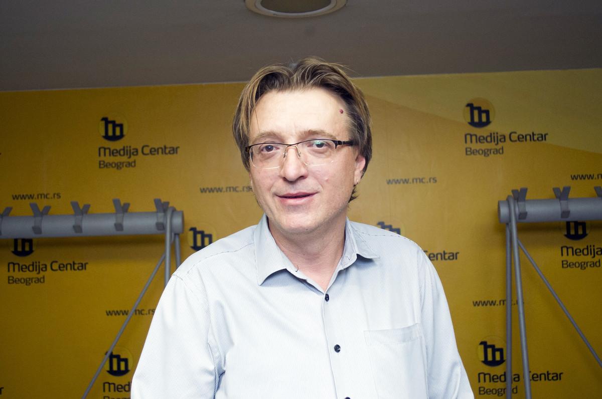 """""""TOLIKO MI JE SVE BANALNO"""" Ovako je Zeljko Hubac PRVI PUT prokomentarisao njegovo smenjivanje u Narodnom pozoristu"""