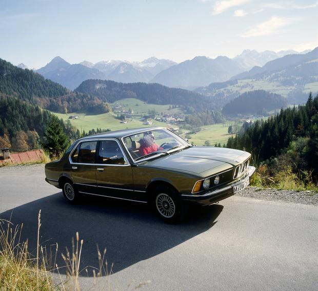 BMW Serie 7 - pierwsza generacja