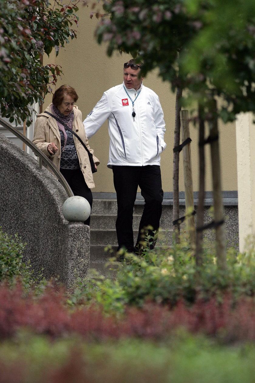 Jacek Kurski opiekuje się chorą mamą