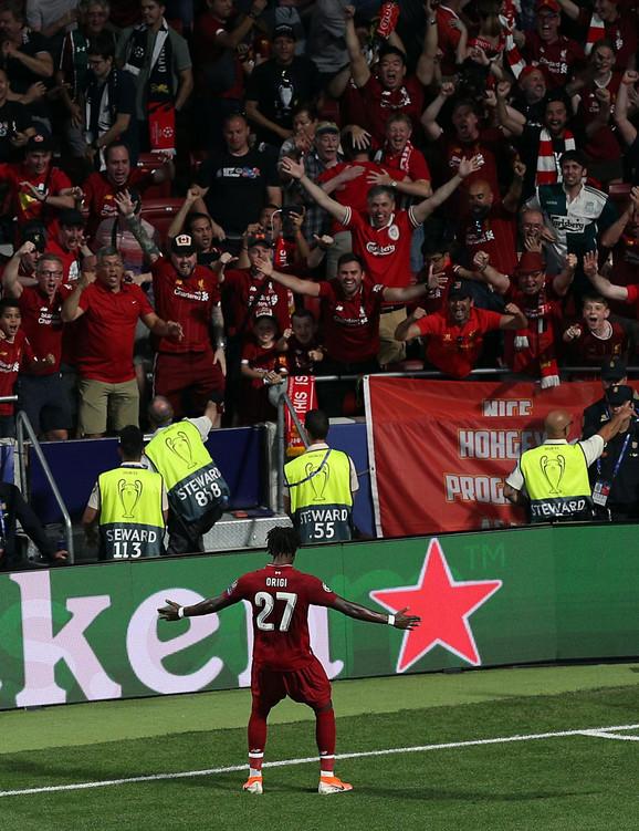 Divok Origi slavi pogodak sa navijačima