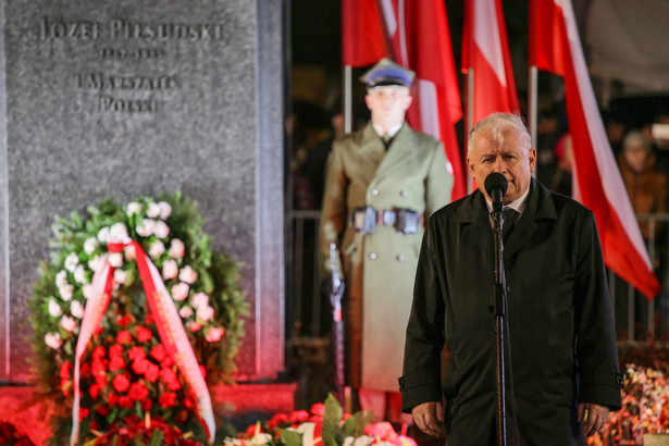 """Prezes PiS w swoim przemówieniu w przeddzień Narodowego Święta Niepodległości podkreślił, że """"podstawowe przesłanie tego wszystkiego, co wiąże się z pamięcią tego, co wydarzyło się w naszej ojczyźnie przed 101 laty"""" będzie podtrzymywane, przekazywane społeczeństwu i realizowane."""