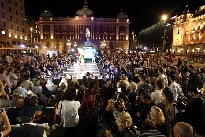 Ovako je večeras izgledao Trg republike